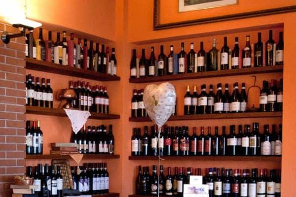 ph credit Rossella Murgia. Selezione ottimi vini dalla cantina della Trattoria du Ruscin a Genova